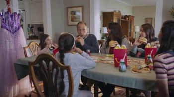 McDonald's $1 $2 $3 Dollar Menu TV Spot, 'Quinceañera' [Spanish] - Thumbnail 9