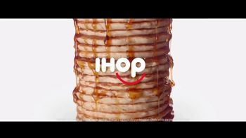 IHOP All You Can Eat Pancakes TV Spot, 'Un montón' [Spanish] - Thumbnail 1