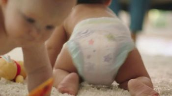 Huggies Little Movers TV Spot, 'Set Your Baby Free' - Thumbnail 7