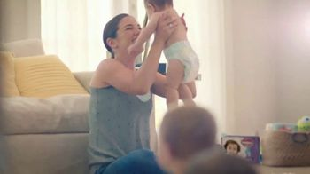 Huggies Little Movers TV Spot, 'Set Your Baby Free' - Thumbnail 8