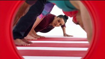 Target TV Spot, 'Target Run: Yoga' [Spanish] - Thumbnail 7