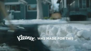 Kleenex Soothing Lotion TV Spot, 'Shoveling Snow' - Thumbnail 2