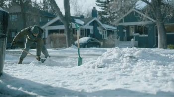 Kleenex Soothing Lotion TV Spot, 'Shoveling Snow'