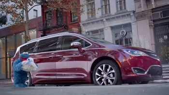Chrysler Big Finish Event TV Spot, 'Smart Cookie: 2017 Pacifica' [T2] - Thumbnail 1