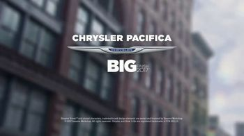 Chrysler Big Finish Event TV Spot, 'Smart Cookie: 2017 Pacifica' [T2] - Thumbnail 8