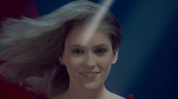 Mega Red Advanced Triple Absorption TV Spot, 'Lady in Red'