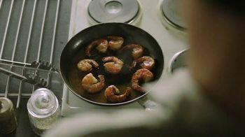 Febreze ONE TV Spot, 'Rociar y estar' [Spanish] - Thumbnail 1