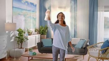 Febreze ONE TV Spot, 'Rociar y estar' [Spanish] - Thumbnail 6