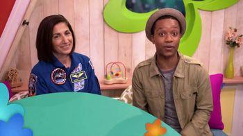 ABCmouse.com TV Spot, 'Universal Kids: Nicole Stott' - Thumbnail 2