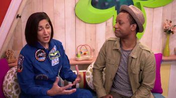 ABCmouse.com TV Spot, 'Universal Kids: Nicole Stott' - Thumbnail 8