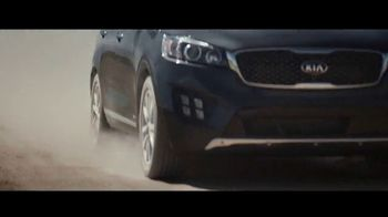 2018 Kia Sorento TV Spot, 'The SUV Out of Nowhere' - Thumbnail 5