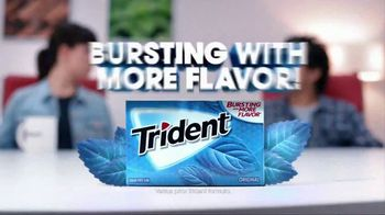 Trident TV Spot, 'Bursting With More Flavor' - Thumbnail 9