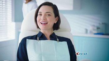 Crest Gum Detoxify TV Spot, 'Iceberg' - Thumbnail 10