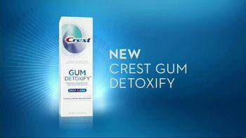 Crest Gum Detoxify TV Spot, 'Iceberg' - Thumbnail 6