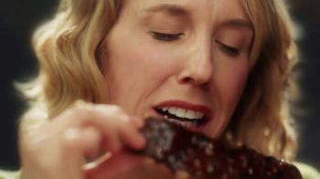 Applebee's All You Can Eat TV Spot, 'Romance' Song by Celine Dion - Thumbnail 5