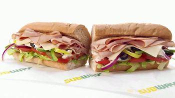 Subway $4.99 Footlongs TV Spot, 'Que suerte' [Spanish] - Thumbnail 5