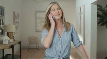 Eyelove TV Spot, 'This or That' Featuring Jennifer Aniston - Thumbnail 4