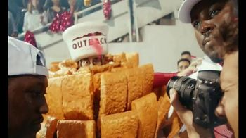 Outback Steakhouse TV Spot, 'Outback Bowl: Free Bloomin' Onion' - Thumbnail 1