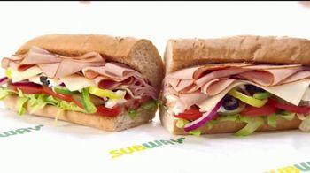 Subway $4.99 Footlongs TV Spot, 'Casi nada' [Spanish] - Thumbnail 7