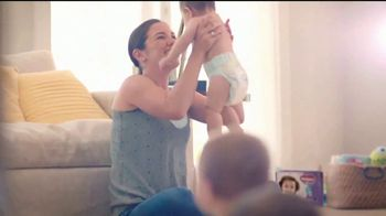 Huggies Little Movers TV Spot, 'Libera at tu bebé' [Spanish] - Thumbnail 8