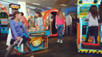 Chuck E. Cheese's TV Spot, 'Birthday Parties With Unlimited Games' - Thumbnail 7