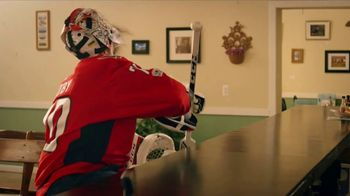 GEICO TV Spot, 'Off the Ice With Braden Holtby' - Thumbnail 6