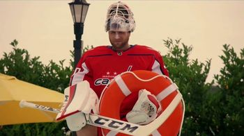 GEICO TV Spot, 'Off the Ice With Braden Holtby' - Thumbnail 8