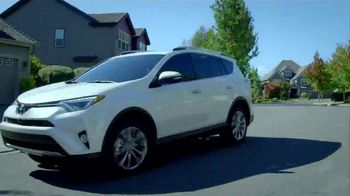 Toyota We Make it Easy Sales Event TV Spot, '2018 RAV4: Family' [T1] - Thumbnail 5