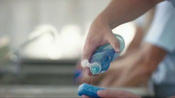 Dawn Ultra TV Spot, 'Dawn Dish Soap Cleans Dishes for a Whole Town' - Thumbnail 4