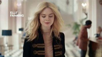 L'Oreal Paris Lash Paradise TV Spot, 'Plumas' con Elle Fanning [Spanish] - Thumbnail 2