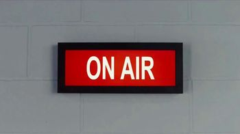GEICO TV Spot, 'Breakbeats' Featuring Tony Dungy, Rodney Harrison - Thumbnail 1