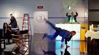 GEICO TV Spot, 'Breakbeats' Featuring Tony Dungy, Rodney Harrison - Thumbnail 10