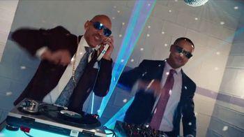 GEICO TV Spot, 'Breakbeats' Featuring Tony Dungy, Rodney Harrison - Thumbnail 5