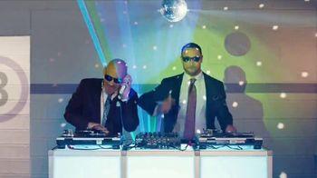 GEICO TV Spot, 'Breakbeats' Featuring Tony Dungy, Rodney Harrison - Thumbnail 7