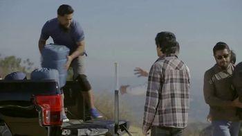 Ford F-150 TV Spot, 'Lloyd ayuda a sus amigos veteranos' [Spanish] [T1] - Thumbnail 10