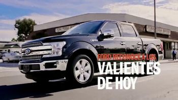Ford F-150 TV Spot, 'Lloyd ayuda a sus amigos veteranos' [Spanish] [T1] - Thumbnail 2