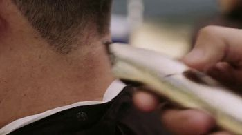 Ford F-150 TV Spot, 'Lloyd ayuda a sus amigos veteranos' [Spanish] [T1] - Thumbnail 5