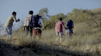 Ford F-150 TV Spot, 'Lloyd ayuda a sus amigos veteranos' [Spanish] [T1] - Thumbnail 9