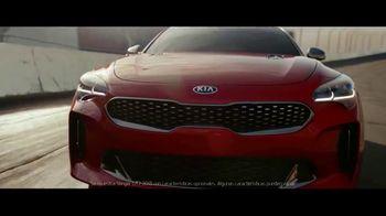 2018 Kia Stinger TV Spot, 'Cada corredor' con Emerson Fittipaldi [Spanish] [T1] - Thumbnail 1
