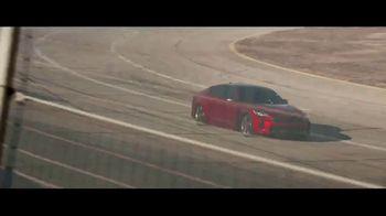 2018 Kia Stinger TV Spot, 'Cada corredor' con Emerson Fittipaldi [Spanish] [T1] - Thumbnail 6