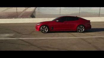 2018 Kia Stinger TV Spot, 'Cada corredor' con Emerson Fittipaldi [Spanish] [T1] - Thumbnail 7