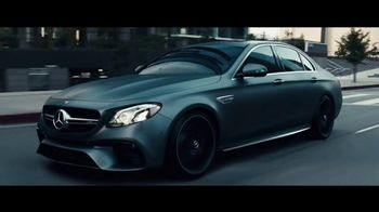 2018 Mercedes-Benz AMG E63 S Super Bowl 2018 TV Spot, 'Off the Line' [T1] - Thumbnail 6