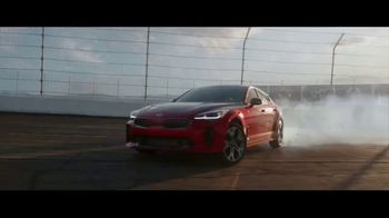 2018 Kia Stinger TV Spot, 'What Every Racer Needs' Feat. Emerson Fittipaldi [T1] - Thumbnail 5