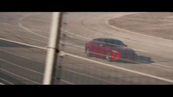2018 Kia Stinger TV Spot, 'What Every Racer Needs' Feat. Emerson Fittipaldi - Thumbnail 6