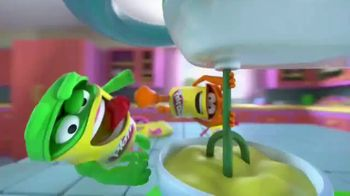 Play-Doh Kitchen Creations Spinning Treats Mixer TV Spot, 'Silly Sweets' - Thumbnail 2
