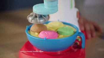 Play-Doh Kitchen Creations Spinning Treats Mixer TV Spot, 'Silly Sweets' - Thumbnail 4