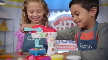 Play-Doh Kitchen Creations Spinning Treats Mixer TV Spot, 'Silly Sweets' - Thumbnail 7