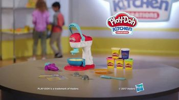 Play-Doh Kitchen Creations Spinning Treats Mixer TV Spot, 'Silly Sweets' - Thumbnail 9
