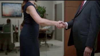 La Quinta Inns and Suites TV Spot, 'How to Win@Business: The Handshake' - Thumbnail 6