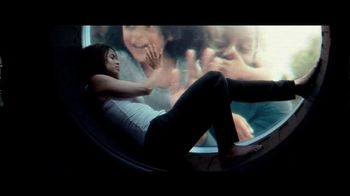 Netflix TV Spot, 'The Cloverfield Paradox' - Thumbnail 3